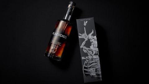 Metallica lanza su renovado whisky Blackened