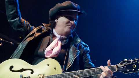 Murió Sylvain Sylvain, guitarrista de New York Dolls