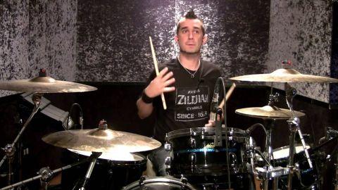 The Offspring despidió a su baterista por no vacunarse contra el COVID
