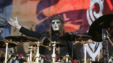 Slipknot le rindió homenaje a su ex baterista